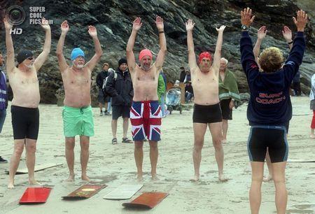 Великобританія. Чапел-Порт, Корнуолл, Англія. 8 вересня. На щорічному чемпіонаті світу з беллібордінгу. (Matt Cardy / Getty Images)