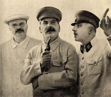 Що робив Сталін в перший тиждень війни
