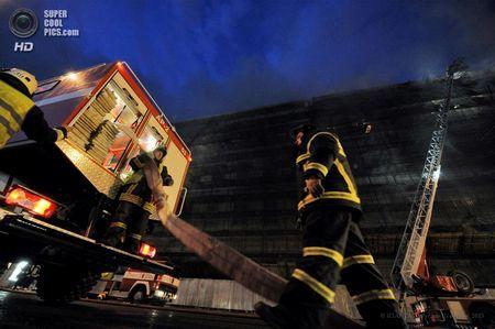 Пожежа в санкт-петербурзькому державному технологічному інституті (10 фото + відео)