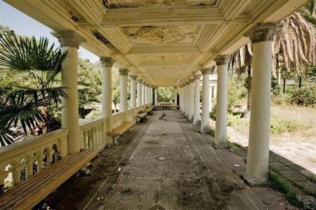 Найкрасивіша покинута залізнична станція в світі, келасурі, абхазія